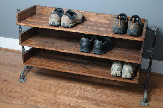 Полки для обуви из вагонки
